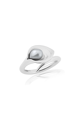 Medium Silver Lily Pearl Ring