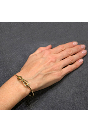 18kt Yellow Gold Handcrafted Italian Knot Bangle Bracelet