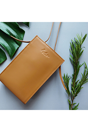 'MARS' Leather Crossbody Bag in Caramel