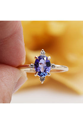 14kt Gold High-Quality Tanzanite & Diamond Antique Style Engagement Ring