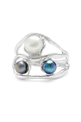 Stunning Sterling Silver & Three Pearls Detailing Ring