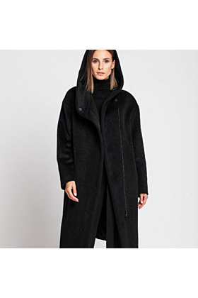 Wool Coat Cozy In Black