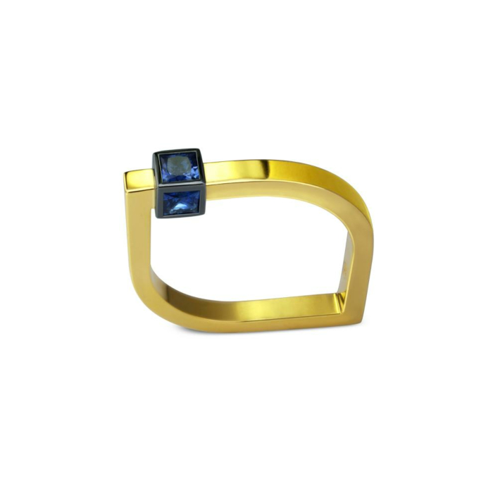 14kt Yellow Gold Amulet Eye Ring With Blue Sapphires
