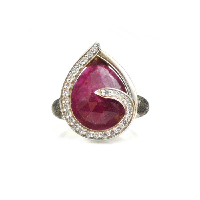 Ring Swirl White Sapphires Around Ruby