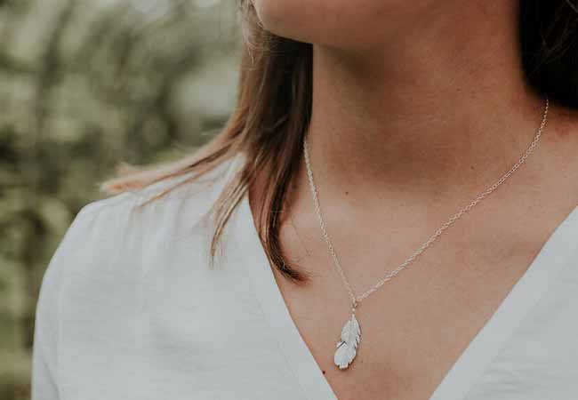9 inspired necklace ideas for dainty necks
