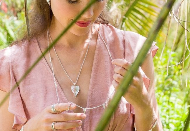 9 Of Our Favourite Love Necklaces