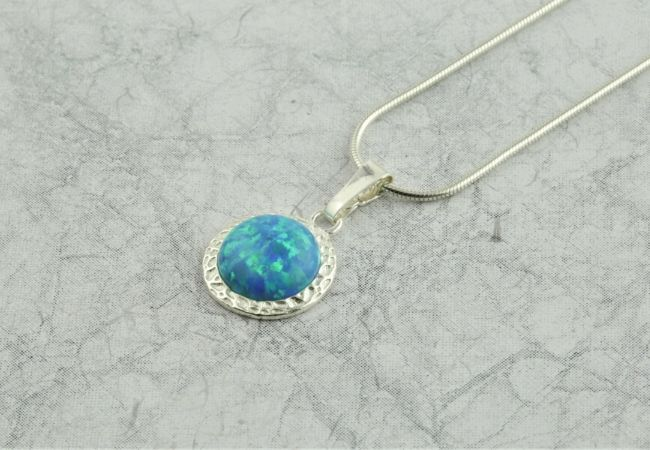 8 Gorgeous Gemstone Pendants
